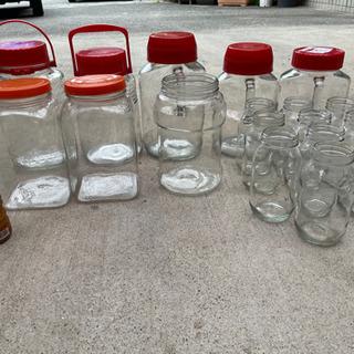 ガラスの瓶たくさん