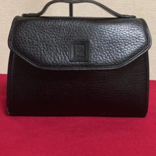 5MKO321  ニナリッチ ビジネスバッグ クラッチ 黒 シンプル