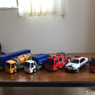 でかい車おもちゃ色々
