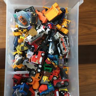 箱のおもちゃ色々②