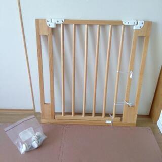 開閉式ベビーゲート 木製