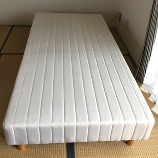 【取引中】シングルベッド(脚付きマットレス)