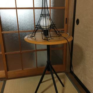 お値下げ!エッフェル塔型ランプとカフェテーブル