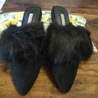 黒ファーサンダルサイズS