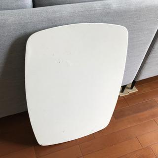 白い折り畳みテーブル(傷汚れあり) - 家具