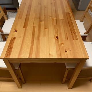 IKEAで購入したダイニングテーブルセット&チェアクッショ…