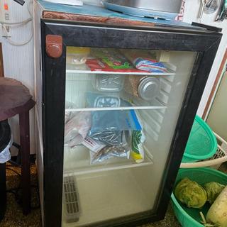 ガラス戸の冷蔵庫(ジャンク)