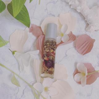 ロールオンフレグランス【香水】
