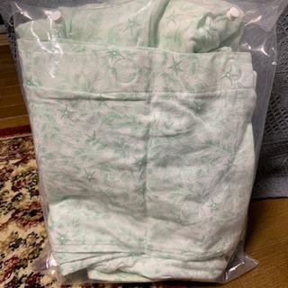 Lサイズの未使用で値札のついてるパジャマ売ります。
