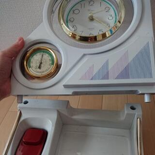時計と温度計がついた電話台 - 家具