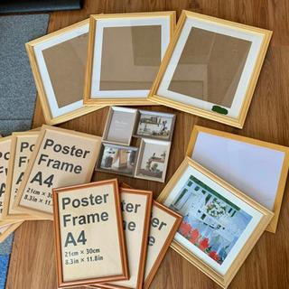 写真ポスターフレームたくさん