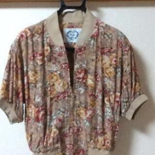 レディース  夏物服。Mサイズ日本製。差し上げます。