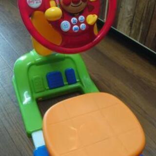 アンパンマン 運転席 玩具