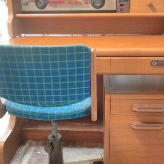 【ネット決済・配送可】コクヨ製学習机(椅子付き)
