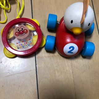 クルマ車 木のおもちゃ、アンパンマンタンバリンほぼ使ってま…
