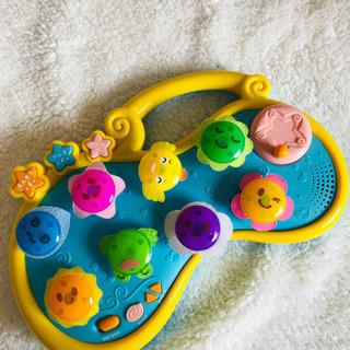 音楽が鳴るおもちゃ