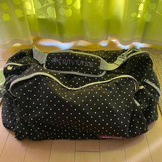 黒色水玉のボストンバッグ