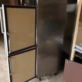 業務用冷蔵庫 4ドア 電源動作確認済 差し上げます
