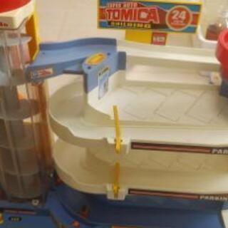 トミカの玩具2点1500円