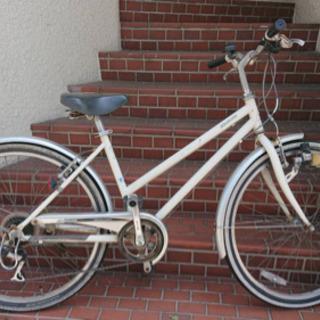 【クロスバイク】26インチ7段変速 LEDライト付 新品チ…