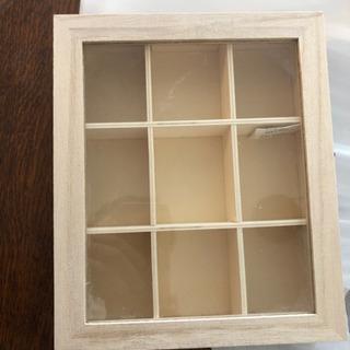 インテリア ①コレクション等小物を見せる収納ボックス②引き出し