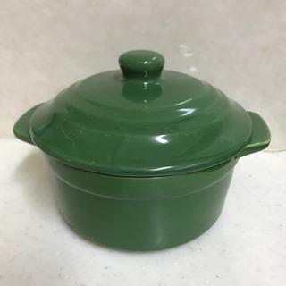 美品 レンジ用ココット鍋