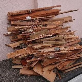 木材、薪、廃材②