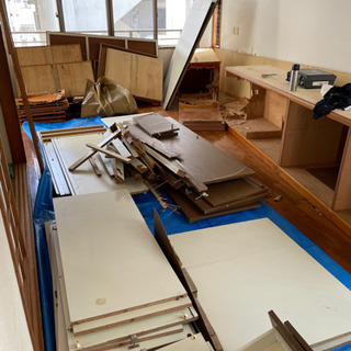 木材、ベニヤ板、タンス、廃材