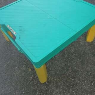 キャンプ用折り畳み式テーブル、