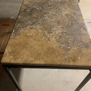 大理石テーブル差し上げます
