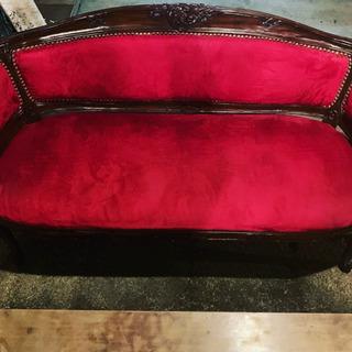 【ネット決済】真っ赤な猫足ソファー
