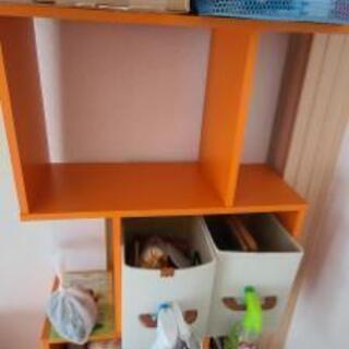 オレンジの棚