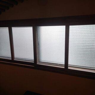 窓に合う網戸を探しています。