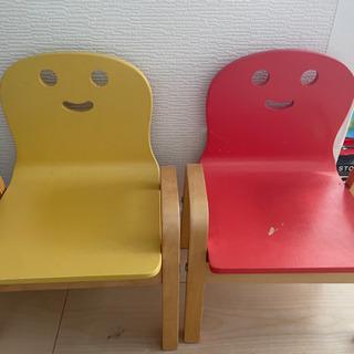 キコリの木製椅子2つ