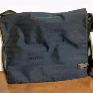 【ネット決済】ARMANI 紺色ロゴ入りショルダーバッグ