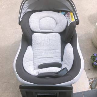チャイルドシート 新生児 Combi 0-18Kg