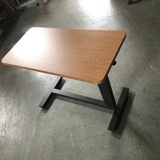 昇降式キャスター付きテーブル