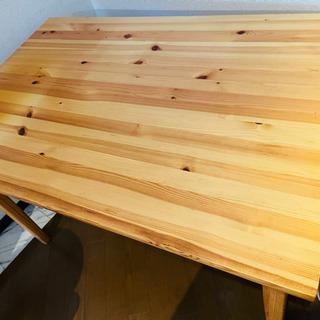 【ネット決済】スウェーデン製のテーブル