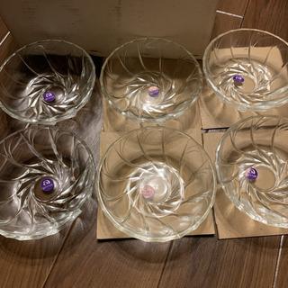 アデリアガラス鉢中