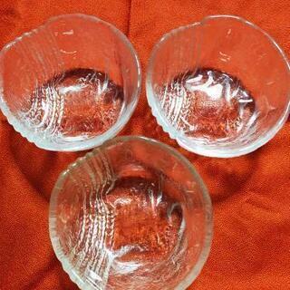 ガラス皿 3個