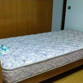 ①シングルベッド&ベッドマット 差し上げます