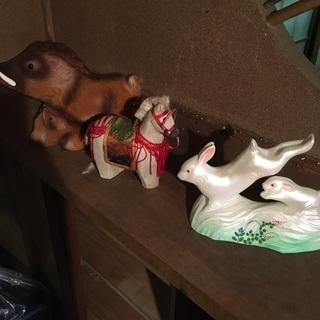 置物 イノシシ、馬、ウサギです。