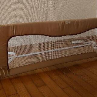 ベッドからの転落防止ガード