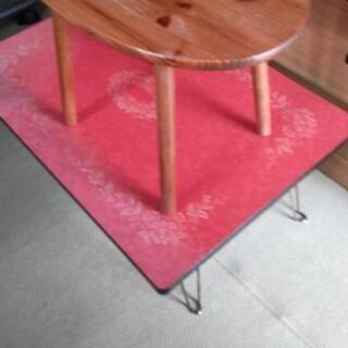 テーブル 2点 茶色とピンクのセット