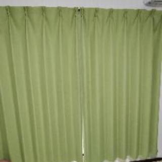 ニトリ遮光カーテン 210cm×100cm 2枚 1年半使用