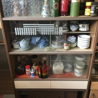 昔の食器棚