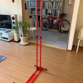 室内保管用スポーツバイクの縦置きスタンド iWA(丸八工機)  ...