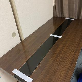 ダイニングテーブルです。