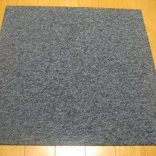 日本製タイルカーペット厚み6.5mm・1枚180円・在庫240枚...
