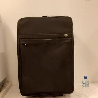 大きな布製スーツケース